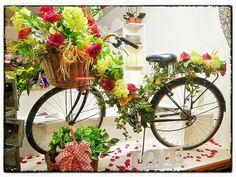 Floral Shop Displays | flower shop window display