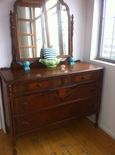 Art Deco Dresser With Mirror