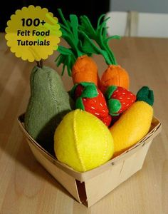 How To Make Felt Food: Our Gigantic List Of Free Online Tutorials And InstructionsOver 150 instructions and tutorials to prepare your own delightful felting.DIY Felt Food Chicken Nuggets Play SetFree felt patterns and tutorial for Sewing For Kids, Diy For Kids, Crafts For Kids, Diy Pour Enfants, Felt Food Patterns, Sewing Patterns, Felt Fruit, Fruit Box, Felt Play Food