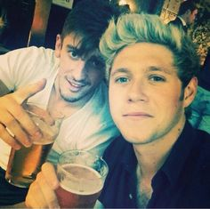 """ Thursday evening pints with the lads @nickyc9 @williedevine84 @jayd9112@gsadlier ! #IRISH ""-Niall (instagram)"