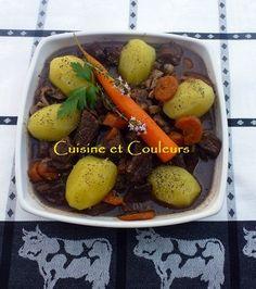 Bourguignon de Fin Gras du Mézenc Pot Roast, Ethnic Recipes, Food, Beef Bourguignon, Braised Beef, Colors, Kitchens, Roast Beef, Meal