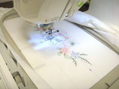 How to Embroider Pillowcases --Embroidery Library - Machine Embroidery Designs Inspired Project Page Embroidery Monogram, Geometric Embroidery, Embroidery Jewelry, Brother Embroidery Machine, Machine Embroidery Projects, Machine Embroidery Applique, Embroidery Sampler, Free Machine Embroidery Designs, Diy Embroidery