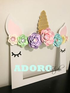 Unicorn Frame/Unicorn Party Selfie Frame - Unicorn Paper Flowers - Unicorn Party Decorations Birthday Floral perfect pictures by AdoroStudio on Etsy Unicorn Birthday Parties, Unicorn Party, Birthday Party Decorations, Pink Birthday, Tween Party Games, Happy Unicorn, Unicorn Pictures, Photo Booth Frame, Picture Frame
