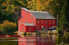 Fall is just better in the country. Especially because you can spend a day on the lake of a beautiful red house surrounded by foliage. Country Barns, Country Farmhouse, Country Living, Country Homes, Beautiful Homes, Beautiful Places, Simply Beautiful, Scenery Pictures, Country Casual