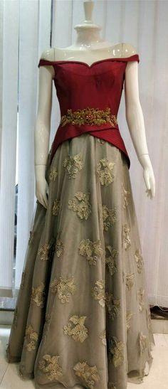 Trendy Wedding Dresses Pakistani Gowns Bridal Lehenga Ideas Source by caedmonsharp dress pakistani Indian Bridal Sarees, Pakistani Bridal Dresses, Indian Dresses, Indian Outfits, Bridal Lehenga, Indian Skirt, Bridal Gown, Bridal Anarkali Suits, Indian Lengha