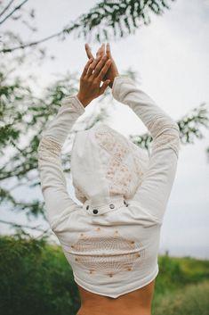 Atara Crop Hoodie - White – fourth dimension designs
