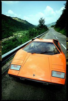 Lamborghini Countach LP400 - https://www.luxury.guugles.com/lamborghini-countach-lp400-2/