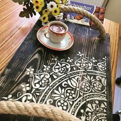 Barn Wood Projects, Furniture Projects, Diy Furniture, Old Wood Crafts, Bois Diy, Wood Creations, Stencil Diy, Diy Home Crafts, Tray Decor
