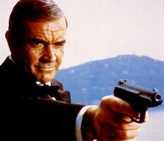 james bond   Sean Connery, de eerste acteur die James Bond speelde, in de film ...