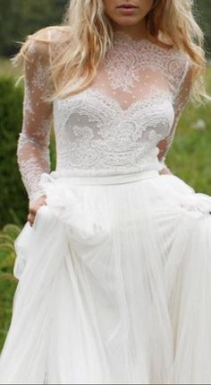 I love this wedding dress!!!!! ~~THIS LACE