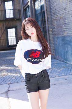 IU 180126 update New Balance Korea 2018 Iu Fashion, Asian Fashion, New Balance, Asian Woman, Asian Girl, Iu Twitter, Oppa Gangnam Style, Sports Brands, Global Brands