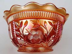 Intaglio Daisy, Diamond. A somewhat scarce pattern.  Shown is a typical bowl shape although bowls vary slightly in depth.