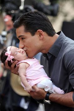 Dad Mario Lopez and baby girl Gia i love him sooo much he has such a cute voice and THOSE DIMPLES! Love You Baby, Baby On The Way, Daddys Little Girls, Daddys Girl, All In The Family, Family Love, Men And Babies, Mario, Pregnancy
