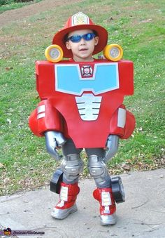 Rescue Bot Heatwave DIY costume---Asher decided today this is what he wants to be for Halloween. Now the question is am I ambitious enough to attempt this? Home made costumes = What Iive for. Halloween 2018, Halloween Costume Contest, Creative Halloween Costumes, Halloween Kids, Costume Ideas, Transformer Halloween Costume, Transformer Birthday, Rescue Bots Birthday, Transformers Birthday Parties