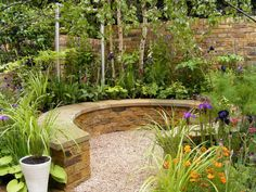 Beautiful Small Gardens Ideas with Colorful Flowers