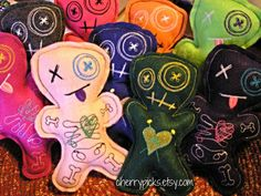 Hey, I found this really awesome Etsy listing at http://www.etsy.com/listing/165605731/voodoo-dolls-pin-cushion