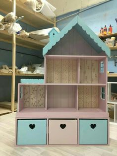 Dollhouse shelf for 6 rooms with a narrow chest of drawers. Dollhouse shelf for 6 rooms with a narrow chest of drawers. Doll Furniture, Kids Furniture, Furniture Storage, Cheap Furniture, Homemade Furniture, Furniture Removal, House Furniture, Furniture Design, Girl Room