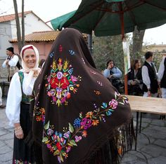 Sardegna Ricami costume di Gergei  #TuscanyAgriturismoGiratola