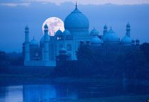 Overnight taj mahal tour takes tourists to the main destinations of Agra. Like Taj Mahal, Agra Fort and Sikandra, These are the most beautiful destinations which attract tourist most. Taj Mahal, 10 Interesting Facts, Amazing Facts, Agra Fort, Summer Palace, India Tour, India India, Delhi India, Seven Wonders