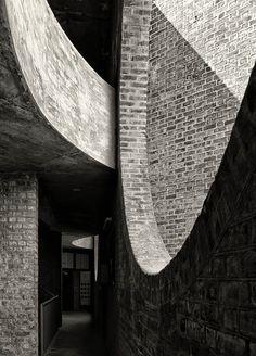 Indian Institute of Management Ahmedabad   Ahmedabad, India   Louis Kahn   photo © Cemal Emden
