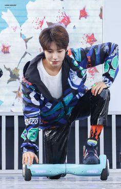 renjun pics (@renjunpictures) | Twitter Nct U Members, Huang Renjun, Fandom, Jung Woo, K Idol, Kpop, Ji Sung, Got7 Jackson, Winwin
