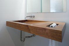 lavamanos con toallero en madera