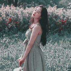 Korean Actresses, Korean Girl, Kdrama, Wrap Dress, Female, Hair Styles, Wattpad, Moon, Beauty