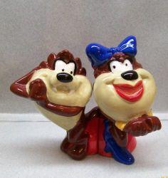 Looney Tunes Taz in Love Cartoon Salt Pepper Shakers WG | eBay