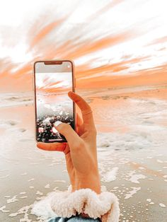 """""""Uploaded by ✭𝐋𝐀𝐔𝐑𝐄𝐍✭"""" Aesthetic Images, Aesthetic Collage, Aesthetic Backgrounds, Aesthetic Iphone Wallpaper, Aesthetic Photo, Aesthetic Wallpapers, Orange Aesthetic, Summer Aesthetic, Photo Wall Collage"""