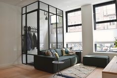 Ground floor apartment Amsterdam: Scandinavian living room by Source by peetersyenthe Scandinavian Living, Scandinavian Interior, Amsterdam, Diy Room Divider, Interior And Exterior, Interior Design, Living Spaces, Living Room, Home Reno