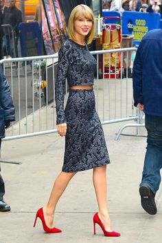 Taylor Swift in Calvin Klein. I wish she was wearing different shoes though.