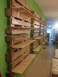 Palette Display, Store Interiors, Farm Shop, Store Displays, Pet Store Display, Pallet Furniture, Wood Pallets, Coffee Shop, Diy Home Decor