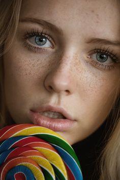Lollipop - Instagram: @jesseherzog  Model: Annika