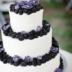 YUM! Blackberries on your wedding cake is a summer must-have! #weddingcakes #summerwedding