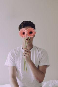 Connor Franta one of the most amazing human beings on Earth. Photography Poses For Men, Creative Photography, Portrait Photography, Kreative Portraits, Connor Franta, Flower Boys, Art Reference, Grunge, Photos