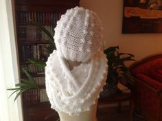 Bonnet Crochet, Sewing Techniques, Winter Hats, Diy Crafts, Knitting, Image, Shawl, Ponchos, Knit Sweater Patterns