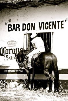 Yes - They still do have cowboys that ride up to bars on horseback in Mexico Mexican American, Mexican Art, Mexican Humor, Old Photos, Vintage Photos, Vintage Ideas, Vintage Posters, Mexican Revolution, Holidays To Mexico
