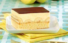 Bananenschnitten Good idea but with mascarpone creme! Cake Cookies, Cupcake Cakes, Baking Recipes, Cake Recipes, German Baking, Sweet Cakes, No Bake Desserts, Let Them Eat Cake, Tray Bakes