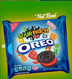 12 Days of Christmas Oreo made up Day Sour Patch Weird Oreo Flavors, Pop Tart Flavors, Cookie Flavors, Funny Food Memes, Food Humor, Oreo Pop Tarts, Oreos, Junk Food Snacks, Oreo Pops