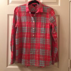 J Crew Gauze Popover J Crew Gauze Popover. Bright coral/red & light blue plaid. Light weight & airy. Perfect for spring & summer. In great condition. J. Crew Tops Button Down Shirts