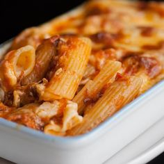 Pennes au thon, sauce au yaourt et tomate - Rigatoni Recipes, Baked Rigatoni, Pasta Recipes, New Recipes, Vegetarian Recipes, Healthy Recipes, Penne, Zucchini Tarte, Healthy Cooking