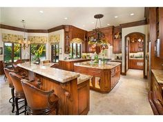 Like the color, the cabinets, the granet, the lay-out, the windows. LOVE it all!