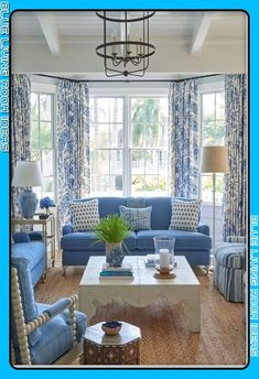 Black Dining Room Decor ideas - Should living room and dining room be same color? Black Dining Room Decor ideas - What colors make a room look bigger and brighter? Blue And White Living Room, Blue Living Room Decor, Coastal Living Rooms, New Living Room, Living Room Designs, Home And Living, Blue Living Room Furniture, Blue Rooms, White Rooms