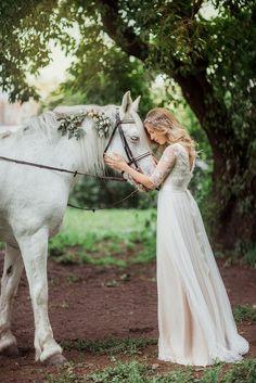 Brautkleid böhmische Hochzeit cremigen weißen von Goroshina auf Etsy