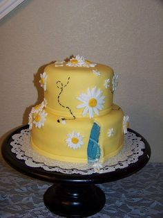 Baby gender announcement cake. I don't want to know until the birth day, but cute idea. Maybe for my sisters next baby?