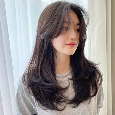 Haircuts Straight Hair, Haircuts For Medium Hair, Bangs With Medium Hair, Medium Hair Styles, Curly Hair Styles, Straight Bangs Curly Hair, Korean Hairstyle Medium Bangs, Long Bangs, Korean Long Hair