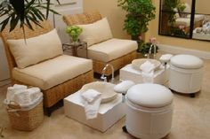 .B. Wellness Lutz spa pedicure-nice arrangement in a small space
