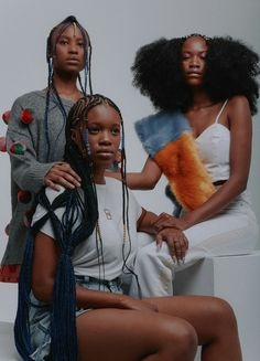 Stylist and creative director Bee Diamondhead joined forces with the team at Mmuja Healthy Hair Salon in Johannesburg to. Black Is Beautiful, Beautiful People, Black Girl Magic, Black Girls, Hair Afro, Curly Afro, Afro Curls, Curls Hair, How To Draw Braids