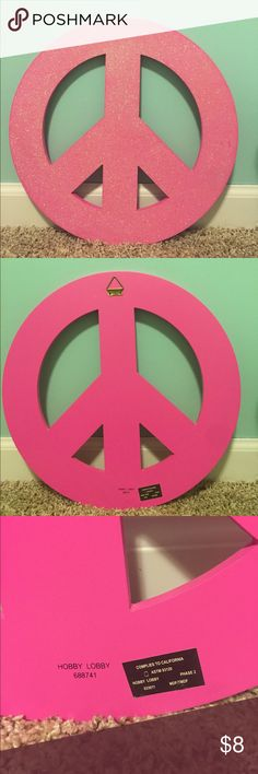 """Girls Décor Peace Sign ☮️ A sparkling pink peace sign wall hang. It has about a 1'3"""" diameter (reference pictures), and it have a few little marks that aren't really noticeable. Hobby Lobby Other"""