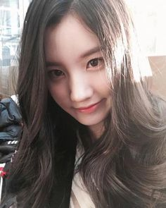 ➖Nothing hurts more than being ignored, replaced, forgotten or lied too. Kpop Girl Groups, Korean Girl Groups, Kpop Girls, Park Si Yeon, Pledis Girlz, Jung Hyun, Pretty Photos, Celebs, Celebrities